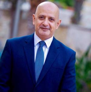خليل الحاج توفيق : رفع أجور الأطباء لا تفسير له