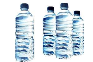 ضبط عبوات مياه غير صالحة للإستهلاك في الكرك