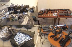 ضبط اسلحة ومخدرات بحوزة 6 مطلوبين في الموقر (صور)