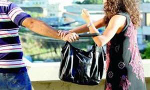نشال الحقائب النسائية في قبضة الامن