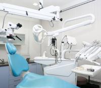 توجه لإلزام أصحاب مراكز طب الأسنان بدفع الرواتب في البنوك