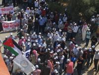 مسيرة للمعلمين من الموقر وسحاب (صور)
