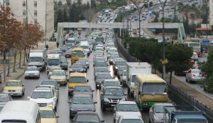 إغلاقات مرورية بشارعي اليرموك والاستقلال بسبب الباص السريع
