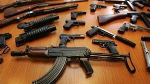 القبض على 33 شخصاً بحوزتهم 32 سلاحا نارياً