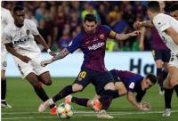 فالنيسا يتوج بملك إسبانيا بفوزه على برشلونة