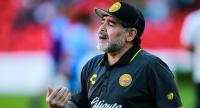 وفاة نجم الكرة الأرجنتيني مارادونا