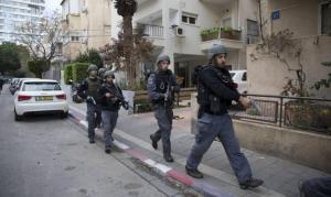 """الثقة بالشرطة """"الإسرائيلية"""" تتصاعد وعند العرب تتراجع"""