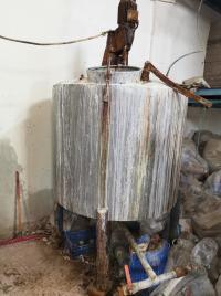 إغلاق مصنع للمعقمات وشامبو الأطفال بالزرقاء (صور)