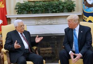 تحركات مشبوهة ..  ترامب يبيع الوهم للفلسطينيين ويعد الكيان بالأمن
