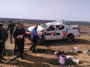 وفاة واصابتان بتدهور مركبة حكومية على طريق الرويشد (صور)