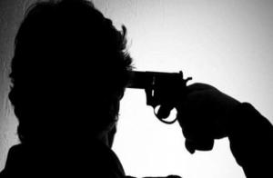 ستيني يطلق النار على رأسه في شارع مكة