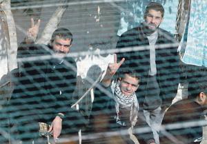 الأسرى الفلسطينيين يواصلون مقاطعة محاكم الاحتلال