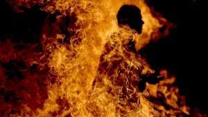 وفاة ثلاثيني احرق نفسه للافراج عن شقيقه المسجون