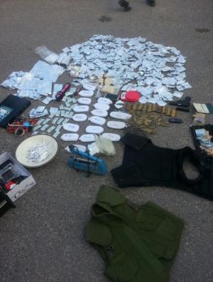 القبض على 9 مروجين للمخدرات منهم مطلوبين خطيرين