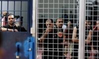 الاحتلال يشدد من إجراءاته على الأسرى