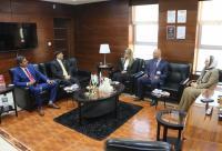 السفير الباكستاني في زيارة رسمية إلى جامعة الشرق الأوسط
