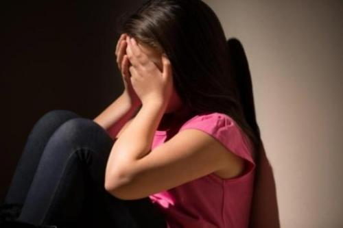 اغتصب شقيقة صديقته بحجة تشابههما!