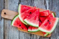 هذا ما يحدث لجسمك عند تناولك البطيخ