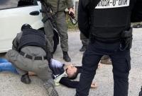 الإحتلال يطلق النار على فلسطيني بزعم محاولته الدهس
