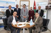 """عمان العربية"""" وأكاديمية الطيران الملكية تعززان من اتفاقية علوم الطيران"""