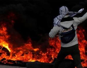 """4 شهداء و250 اصابة بمواجهات في الضفة والقدس بجمعة """"الغضب"""" الثانية"""