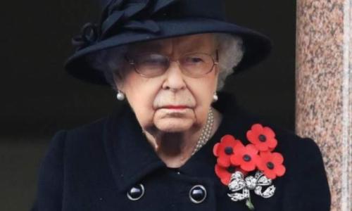 مذيع بريطاني يعلن بالخطأ وفاة الملكة إليزابيث ..