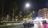 أمطار غزيرة وتساقط للبرد في العقبة (صور)