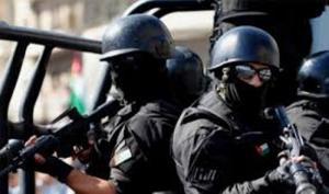 تبادل لإطلاق النار بين قوة أمنية ومطلوبين بقضايا سرقات مركبات
