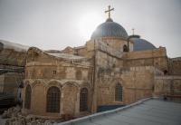 كنيسة القيامة بالقدس تفتح أبوابها