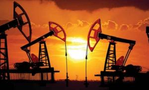 أسعار النفط ترتفع مع حذر من التخمة