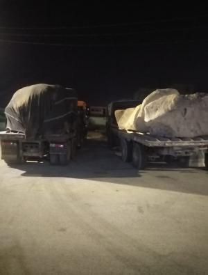 ضبط 4 شاحنات محملة بالبازلت المستخرج من اراضي الخزينة