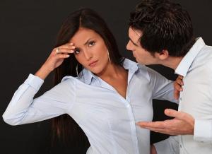 4 طرق لتتعاملي مع زوجك العصبي