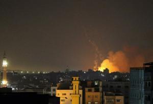 الإحتلال : 62 طائرة بـ 110 قنابل شنت غارات على  غزة