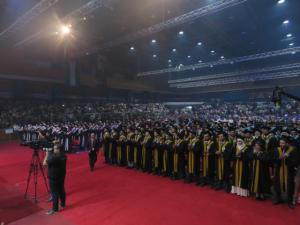 الطويسي يرعى تخريج جامعة عمان الأهلية الـ 24 (صور)