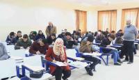 رئيس جامعة الزرقاء يتفقد قاعات الامتحانات النهائية