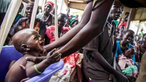 """1.3 مليار شخص في العالم """"تحت خط الفقر"""" ..  نصفهم أطفال"""