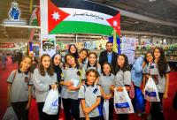 """وفد من طلبة رياض ومدارس """"الزرقاء"""" يزور معرض عمان الدولي للكتاب"""