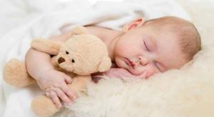 طرق نوم خاطئة تعرض الأطفال لخطر متلازمة الموت