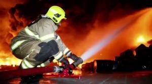 6 إصابات بحريق مصنع أدوية في القسطل