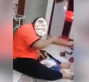السعودية تبدأ البحث عن معنف طفلته