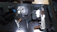 """القبض على 4 مطلوبين """"خطيرين"""" في عمان (صور)"""
