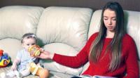جليسات أطفال يكشفن أسرارا غريبة عن عائلات عملن لديهم