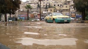 الارصاد تحذر من الانزلاقات والسيول الخميس