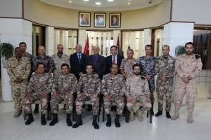 """ندوة حوارية في """" الشرق الأوسط """" لمنتسبي دورة الاعلام المتقدمة للضباط"""