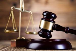 السجن 27 عاما لرجلي أعمال بتهمة الإختلاس