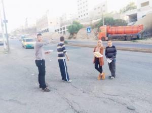 طفلان اردنيان يحتفلان بذكرى المولد النبوي على طريقتهما الخاصة ..