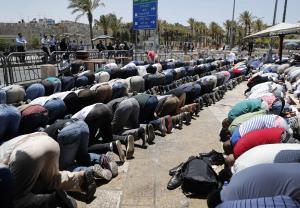 الأقصى ينتصر  ..  مواجهات في القدس والضفة (صور)