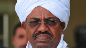 السودان ..  البشير يعين وزير الدفاع نائبا له