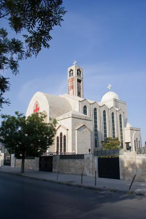 """توصية بفتح الكنائس خلال ساعات الحظر الجزئي """"وثيقة"""""""