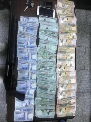 عمان: موظف شركة يفتعل حادثة سلب بالتعاون مع اخرين